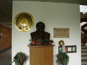 statue of peto